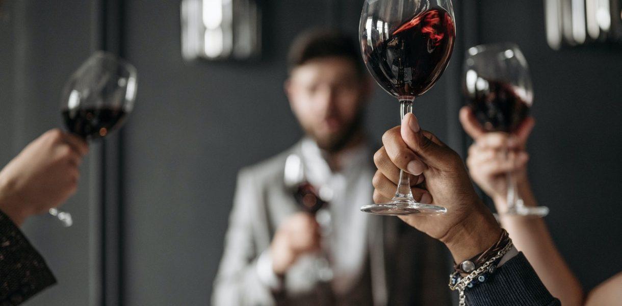sommeliers verres vin rouge